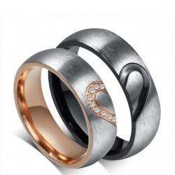 páros karikagyűrű Fél szív mintás férfi karikagyűrű nemesacélból