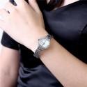 karóra óra Kristályokkal díszített női karóra, ezüst színben