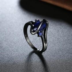 kristályos gyűrű Kék köves egyedi gyűrű, fekete bevonattal
