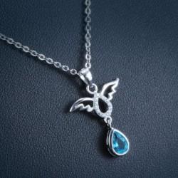 ezüst nyaklánc Ezüst angyal medál csepp alakú kristállyal