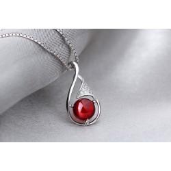 ezüst nyaklánc Ezüst csepp medál piros kővel