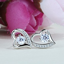 ezüst fülbevaló Ezüst szív fülbevaló fehér cirkónia kővel