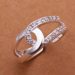 kristályos gyűrű Apró, fehér kövekkel kirakott összetartozás