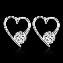 ezüst fülbevaló Ezüst, szív alakú fülbevaló cirkóniával