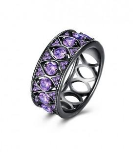 Különleges, lila kristályos gyűrű, fekete bevonattal