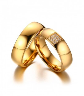 Nemesacél férfi karikagyűrű arany bevonattal