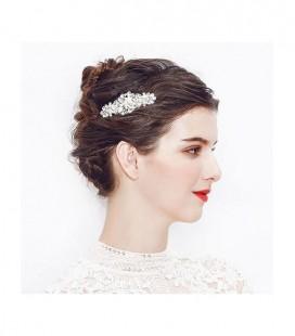 Exkluzív, gyöngyös hajfésű menyasszonyoknak