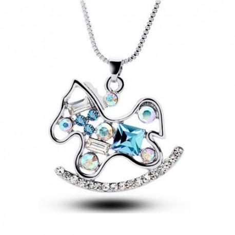 kristályos nyaklánc Kék kristályokkal díszített hintaló nyaklánc