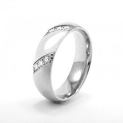 Hófehér cirkónia kövekkel díszített, elegáns nemesacél gyűrű